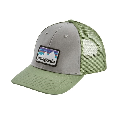 Bilde av PATAGONIA  Shop Sticker Patch LoPro Trucker Hat Drifter Grey/Matcha Green.
